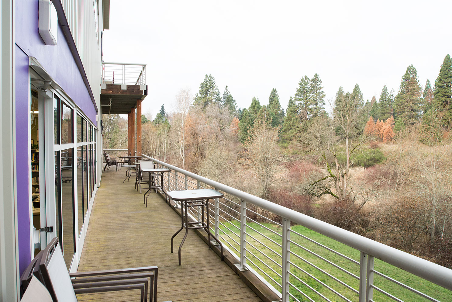 Hood River Indian Creek Campus outside commons area